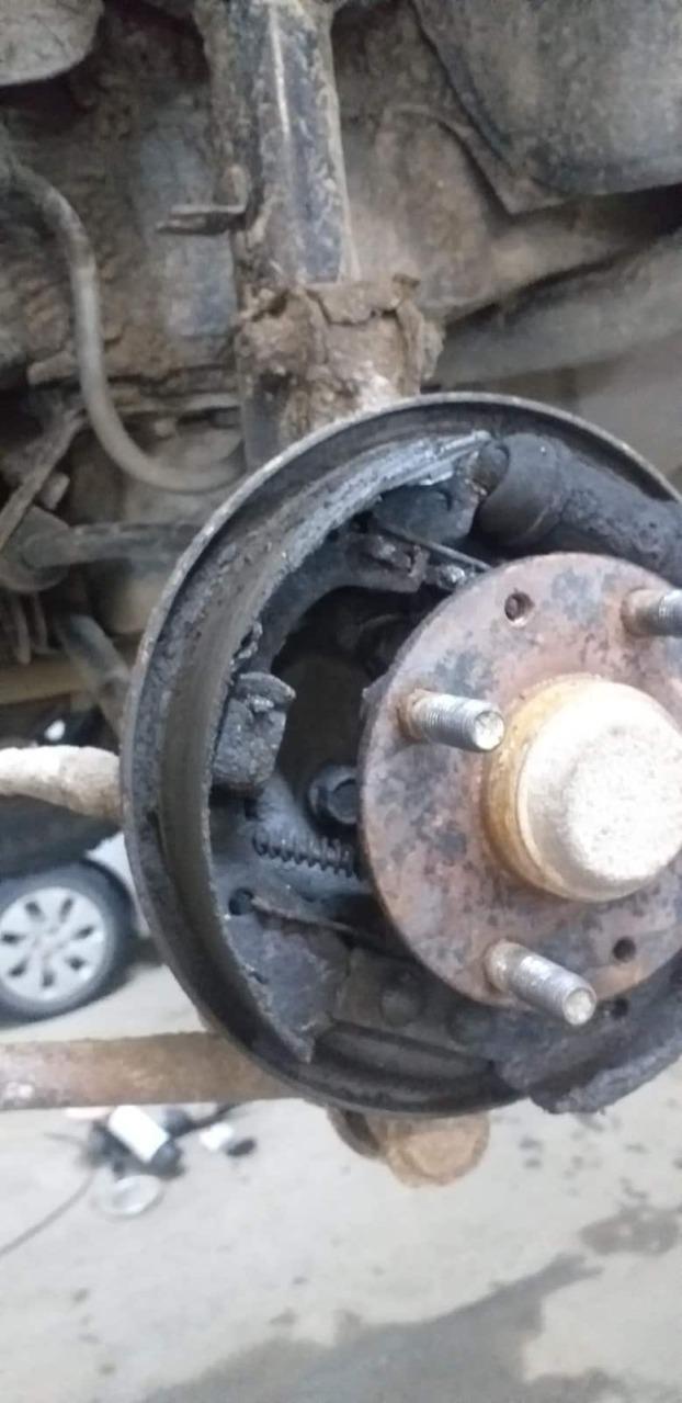 Фото замены колодок автомобиля